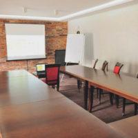 Business & Conference w otoczeniu natury. Do dyspozycji 5 sal konferencyjnych.
