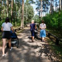 Spacer z wózkiem | Malutkie Resort | Radomsko | woj. łódzkie